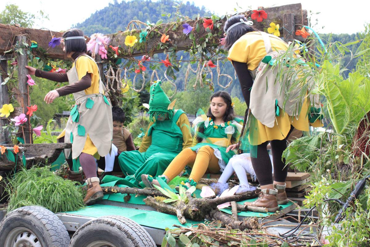 Se realizó el VII Festival del Bosque donde se celebró la llegada de la primavera junto a la comunidad de Neltume y Puerto Fuy.